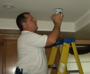 lake sherwood electrician installing recessed lighitng